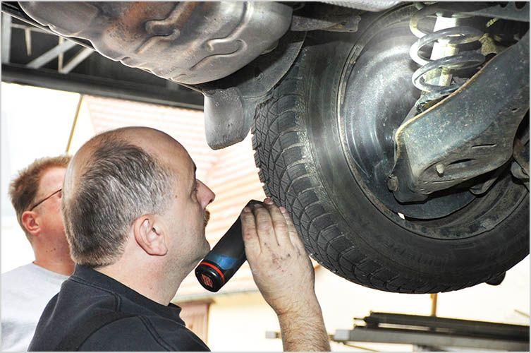 Autohaus Kümmerle, 72657 Altenriet, Landkreis Esslingen: Wir bieten TüV Service, Hauptuntersuchung